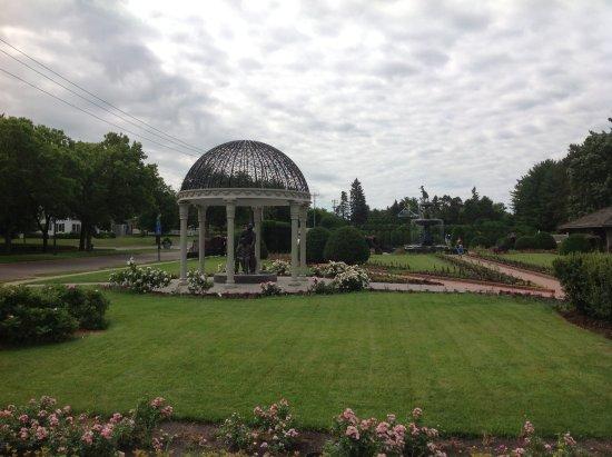Beautiful Gardens By The River Picture Of Munsinger Gardens Saint Cloud Tripadvisor
