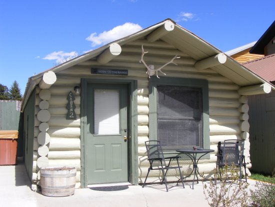 Cooke City's Elk Horn Lodge Picture