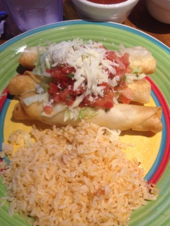 Acapulco Delight Restaurant: chicken chimichangas
