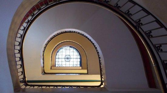 Hotel Savoy: Escalera