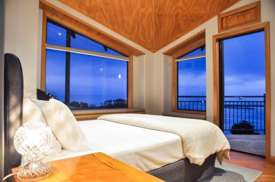 Abel Tasman Villa: Master Bedroom