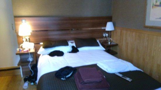 Huttons Hotel: bedroom