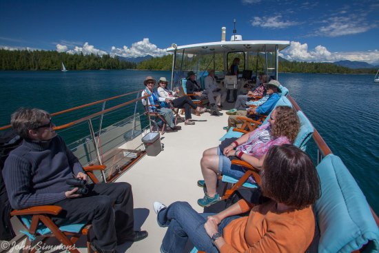 Archipelago Wildlife Cruises: Top deck relaxatiobn in The Broken Island Group