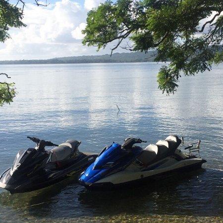 滑水和水上摩托車