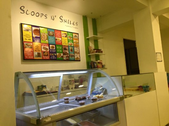 Panadura, Sri Lanka: Scoops N' Smiles Yummy treats