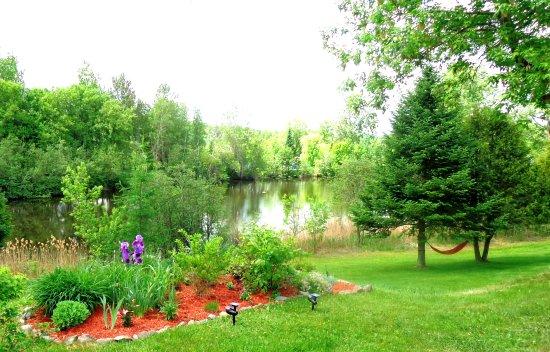 Shefford, Kanada: vue fleurs et lac