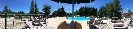 Mackinaw Mill Creek Campground: Cabin, lake, pool