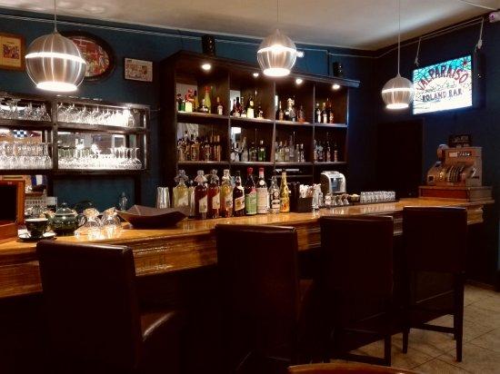 Roland Bar & Hostal