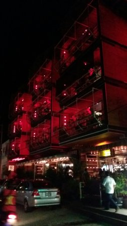 Reina Roja Hotel: 20160603_225840_large.jpg