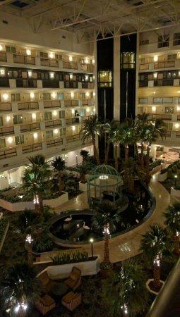 Embassy Suites by Hilton Las Vegas: IMG_20160619_203347_large.jpg