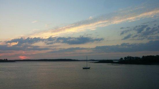 Harris Point Shore Cabins: 0621160442_large.jpg