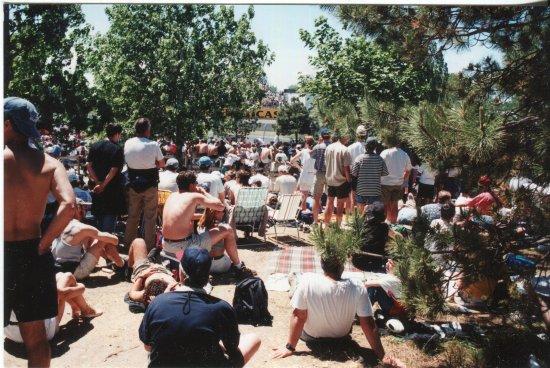 มอนทรีออล, แคนาดา: Crowds gathering