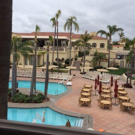The Ritz-Carlton, Laguna Niguel: Pool view from balcony. Very quiet room.