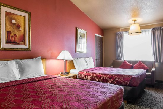 Brush, CO: Guest room