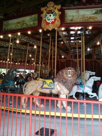 St. Catharines, Canadá: The Carousel