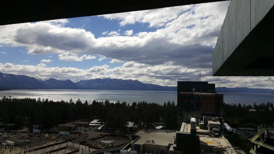 Harrah's Lake Tahoe: Looking out 18th floor from window at restaurant