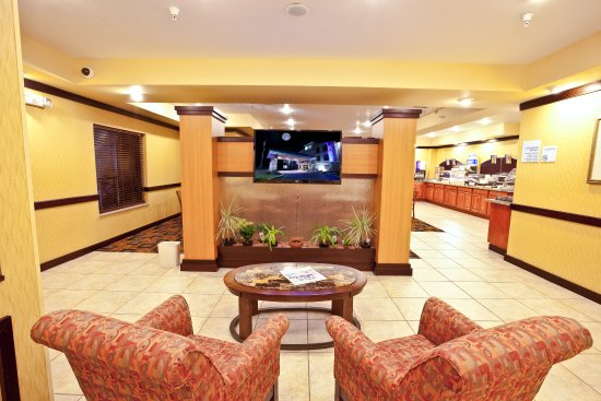Plymouth, IN: Lobby Lounge