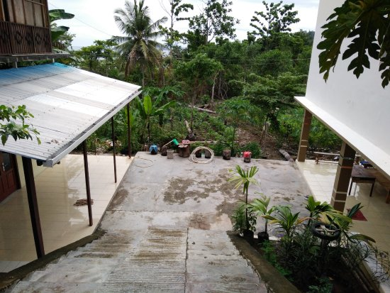 North Maluku, Indonezja: Bagian belakang hotel Bolote