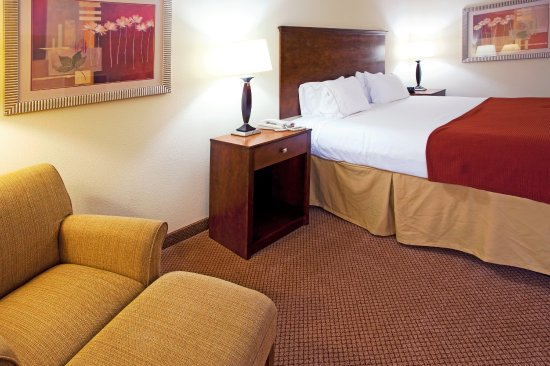 Holiday Inn Express Hotel & Suites Quincy I-10: Prop your feet up and Enjoy