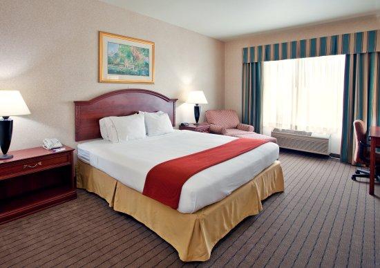堪薩斯市獨立智選假日套房飯店