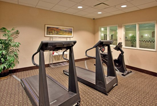 Holiday Inn Express and Suites Independence : Fitness Center