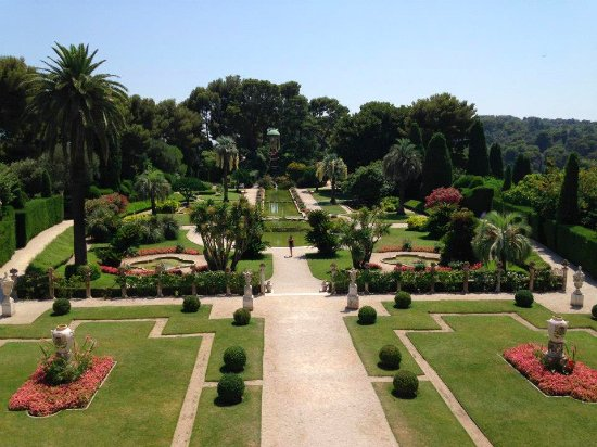 Villa & Jardins Ephrussi de Rothschild : Looking out at the gardens