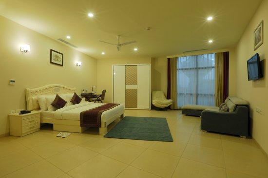 Fairmount Inns-Suites