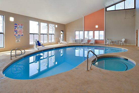 Quality Inn: Indoor Pool