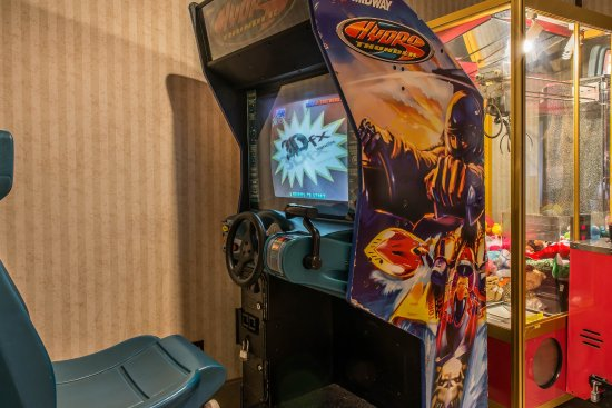 Hermitage, PA: Game Room
