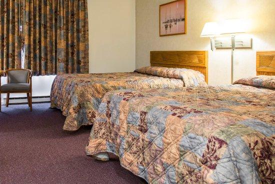 Rodeway Inn Waterford: Guest room