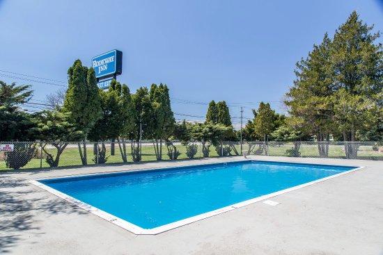 Rodeway Inn Waterford: Pool