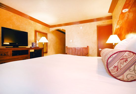 Radisson Hotel Baton Rouge: King Standard