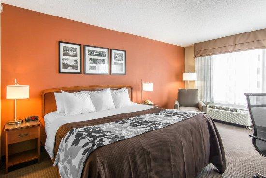 Sleep Inn South Point: Guest room