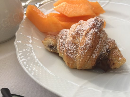 Belmond Villa Sant'Andrea: Nice breakfast with Nutella croissant but when you pay a high price for a suite the hotel should