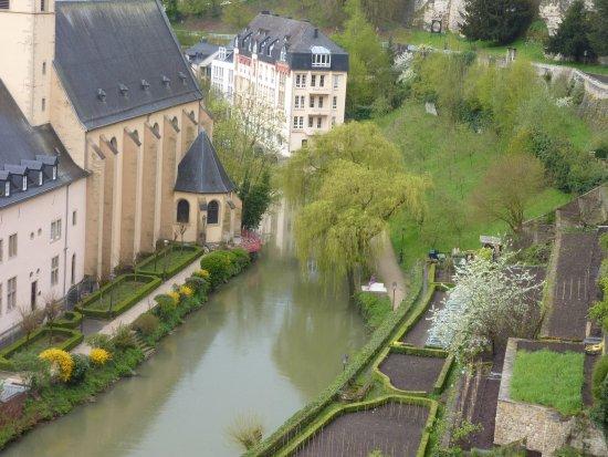 Luksemburg: Grund