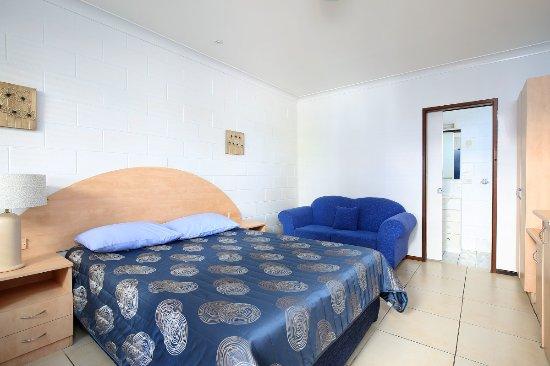 Moffat Beach Motel: Deluxe Double (Queen Bed)