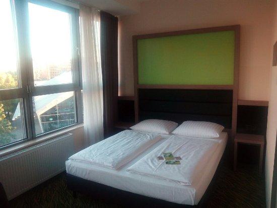 Novum Style Hotel Berlin Zentrum: Corner room in the 3rd floor