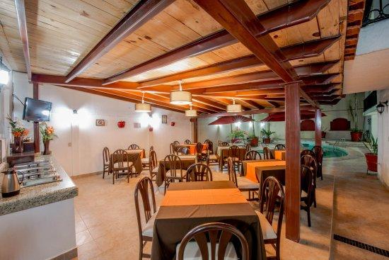 Del Marques Hotel & Suites: Restaurant
