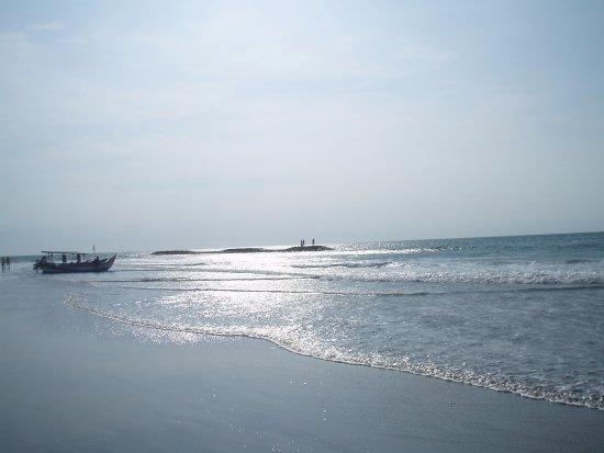 Amaris Hotel Legian: La spiaggia a pochi passi dall'hotel