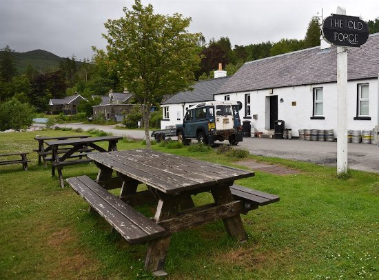 Knoydart, UK: June 2016 The Old Forge (And this wasn't Wednesday when it shuts all day)