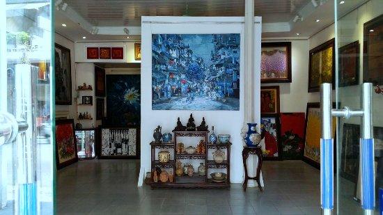 A Dong Art Gallery