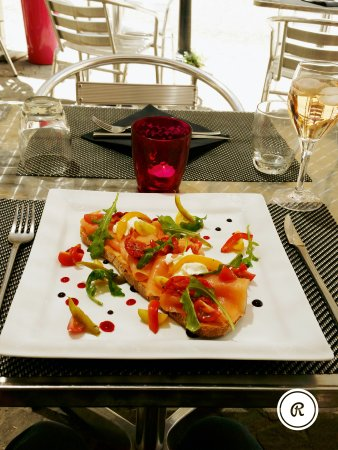 Un coin de salon salon de provence restaurant avis num ro de t l phone photos tripadvisor - Bon coin salon de provence ...