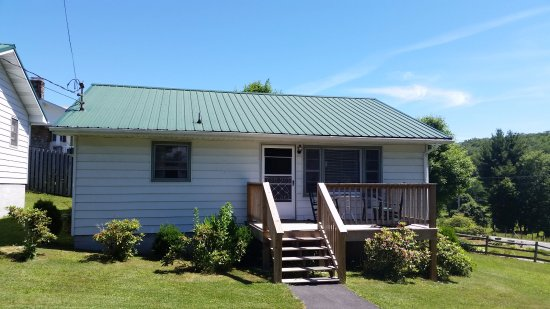Pineola, NC: Large Cottage