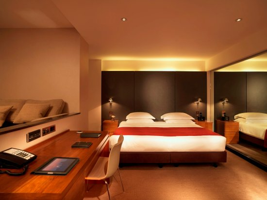 Royal Garden Hotel: Executive Room