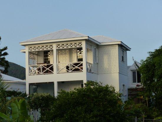 Cades Bay Resmi