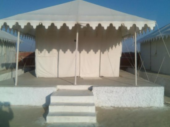 Hotel Pansari Palace : Deluxe Tent with attached bathroom