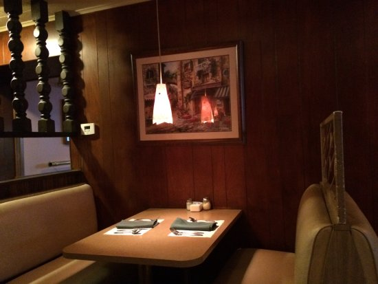 old school booth - Picture of Verdile's Restaurant, Troy - TripAdvisor