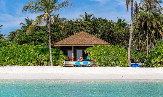 Lhaviyani Atoll: Hurawalhi Beach Villa Exterior
