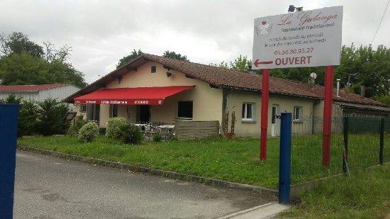 Cestas, France : Peau neuve en extérieure aussi