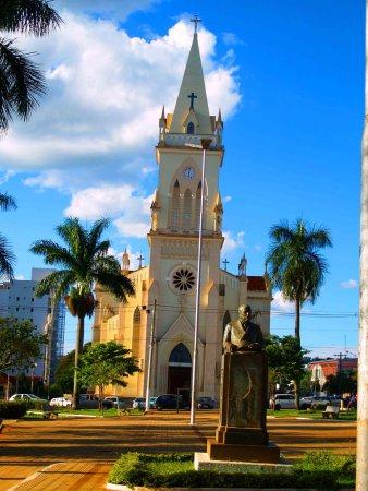 Patos de Minas, MG: Vista depois da estatua